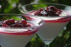 Dolci estivi: Coppe di yogurt e ciliege sciroppate light