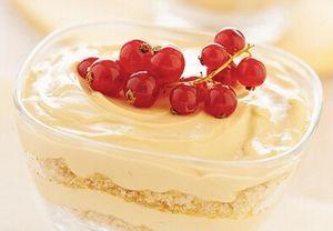 Dolci tentazioni: Coppe di crema al formaggio con caramello